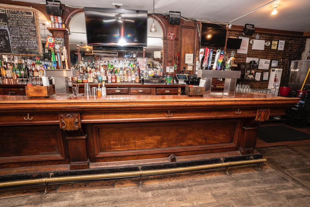 jim's antique 19th century bar